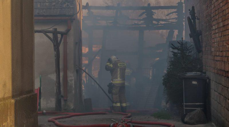 Ogromny pożar Stodoły! Na miejscu 9 zastępów straży pożarnej!